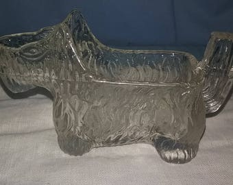 1930s clear pressed glass scottie dog creamer, promotional premium for grape nuts cereal, marked with a 15, Scottie dog creamer