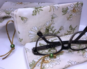 Daisy Eyeglass Case, Zip Top Eyeglasses Case, Glasses Case, Fabric Eyeglass Pouch, Sunglass Case, Soft Glasses Sleeve
