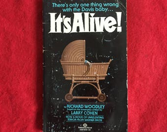 IT'S ALIVE (Paperback Novelization by Richard Woodley)