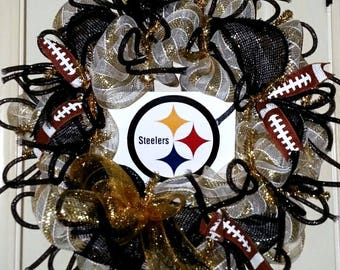 Pittsburg Steelers wreath, Steelers wreath, Steelers football wreath, team spirit wreath, Steelers door hanger