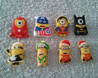 Lot 8 jibbitz Minions (badges for fangs)