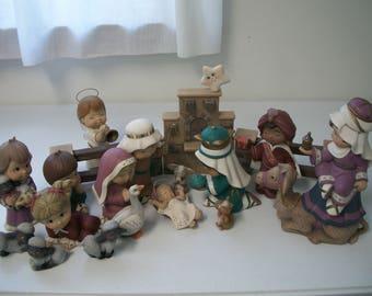 Ceramic Christmas Nativity set Sweet Tot Christmas decoration 18 piece