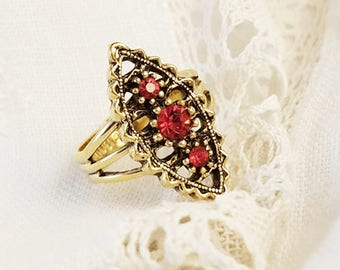 Sarah Coventry Ruby Red Rhinestone Vintage Ring Adjustable Gold Tone Ring