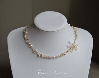 Wedding necklace pearls and flower, Swarovski crystal - wedding necklace bridal necklace, wedding ornament pearly flower jewelry