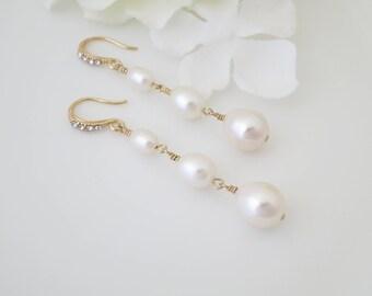 Wedding earring, Freshwater pearl dangle earring, Teardrop pearl bridal earring, Graduated pearl earring, Gold wedding earring