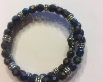 Blue wired bracelet