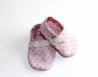booties Cotton Baby Pink Silver Stars edged in lace size 0/6 months