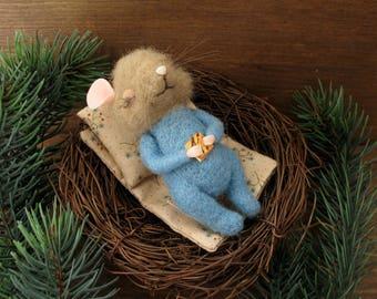 Sleeping mouse nest needle felting miniature