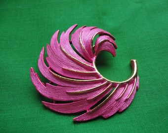 Vintage Lisner Hot Pink Brooch and Earrings