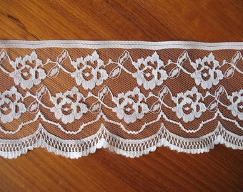 """Wide Vintage 80's Lace Soft Cream, 3 1/2"""" Wide Lace Trim, Wedding Lace, Boho Sewing Lace Trim, Shabby Chic Crafts"""
