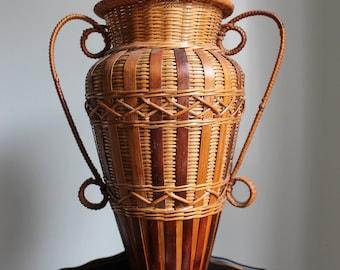 Vinage Bamboo Urn Shaped Basket
