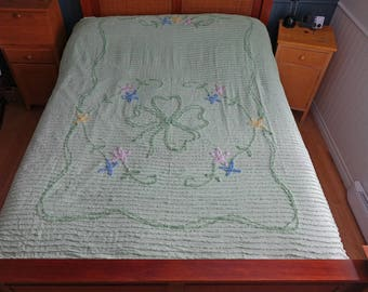 Vintage green chenille bedspread - Double - Queen Size
