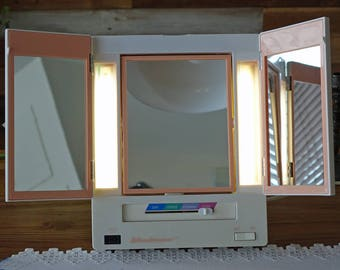 Vintage Lighted Make-up Mirror - Light-up Makeup Mirror - Makeup Mirror with Lights - Windmere Model EM-8