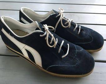 Vintage Sneakers M 8.5D; No Brand; Puma-Esque; Navy Blue Suede with White Vinyl; Seventies 70s; Gum Sole; Retro Athletic Shoes; Tennis Shoes