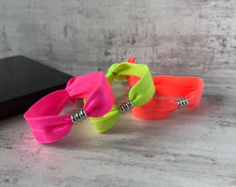 Sterling Silver Ring Stretch Bracelet/Neon Bracelet/Friendship Bracelet/Bridesmaid/Gift/Elastic/Sterling Silver/Ring/festival/boho/uk/foe