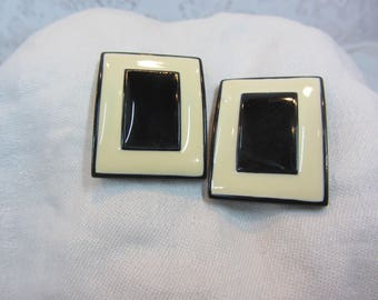 Cool Mod Vintage Black and Ivory Enamel Rectangular Clip Earrings