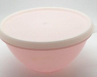 Vintage Tupperware Pastel Pink  Wondelier Bowl With Lid  B 233 234 50s 60s Retro Kitchen Decor Display