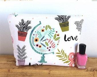 Gift for Her Makeup Bag - Large Makeup Bag - Cosmetic Bag - Gift for Traveler - Love Makeup Bag