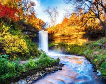 Minnehaha Falls in Autumn