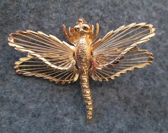 Vintage Large Gold DRAGONFLY Pin/Brooch> signed Monet>Nice Detailing>>So Pretty