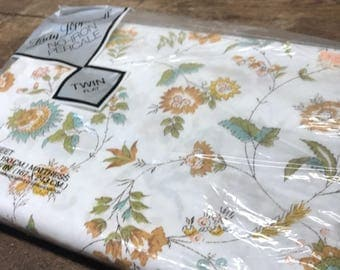 Vintage Sheet Twin Flat Percale Floral Fabric
