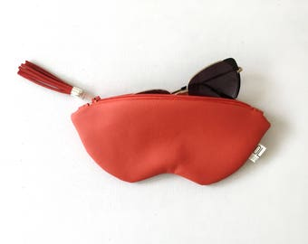 Red sunglasses case, vegan leather glasses holder, eco leather pouch, zipper women purse, eyeglasses case, red bag