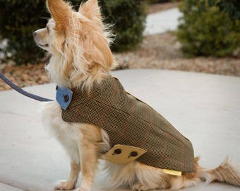SM Tailored winter dog coat // Hand-tailored classic jacket for a small dog in beige and navy blue houndstooth wool with chambray lining