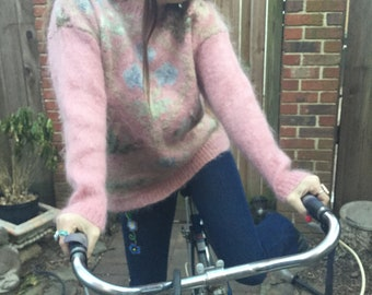 SALE Adorable 80s pastel goth kawaii floral mohair sweater