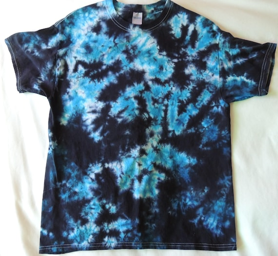 Adult large blue and black scrunch pattern tie dye t shirt for Black and blue tie dye t shirts