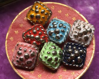 7 square glass buttons - vintage buttons - colorful silver bubbels (037)