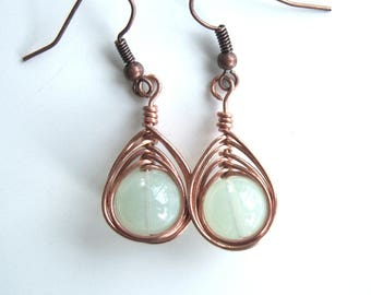 Earrings woven with copper wire