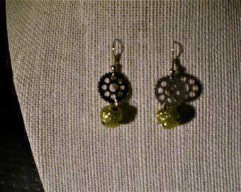 Golden Holiday Gearrings
