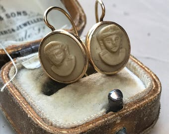 Beautiful Grand tour carved lava 14k gold portrait earrings