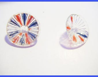 Set of 2 clear buttons worn