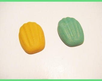 ♥ 2 madeleine fimo ♥ polymer clay cabochons
