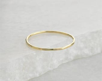 9ct Yellow Gold Hammered 1mm Skinny Band Ring - Stacking / Stack Ring. Solid 9ct Gold!