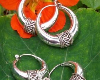 Sterling Silver earrings. Ethnic tribal plata.joyeria thread ley.trenzado silver hoops, lijeros.india.festival.