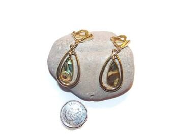 Vintage Shell dangle clip earrings, Shell earrings, drop earrings