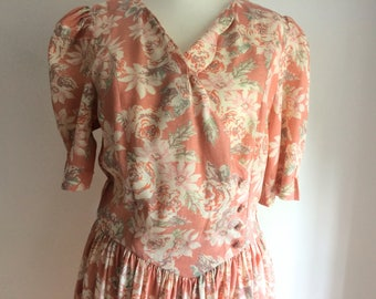 Laura Ashley Beautiful Floral Dress scalloped neck line