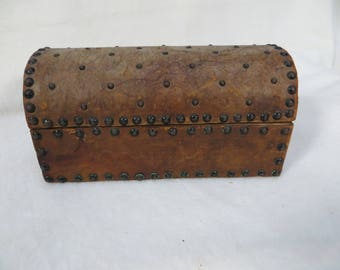 Worn Leather Vintage Wood Box Dome Top 7""