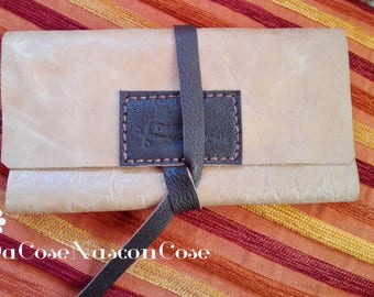 Vintage leather cell phone holder combined with wallet