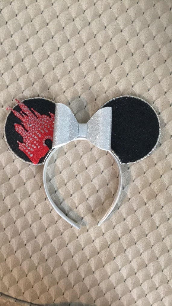 Holiday lights castle Disney mickey Minnie Mouse ears