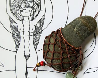 Appolinia fertility goddess necklace