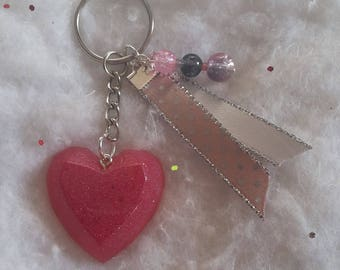 Keychain resin Fuchsia heart, pearls and ribbons