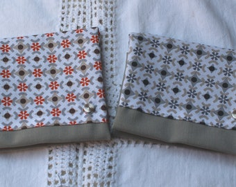 Pouch bag in grey and geometric pattern / grey or orange choice
