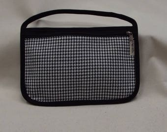Black cover with houndstooth pattern black and white