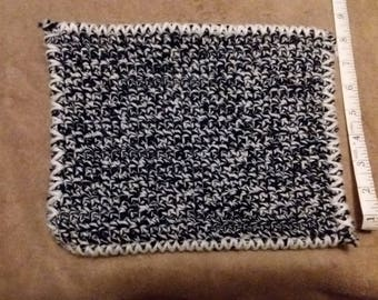 Blue and white pot holder. Very durable. 8x10.5 inches
