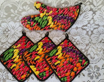 Multi Colored Pepper Hot Pads and Oven Mitt