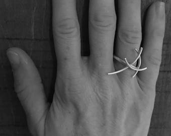 Mangrove Collection 'Tail Fin' ring in sterling silver