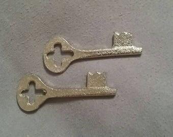Unlock my Heart / Skeleton Keys / Set of 2 / Jewelry Making / Craft Supplies / Vintage / Metal / Friendship Necklace / Bracelet / Charms